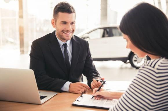 Własna działalność w branży finansowej – jak zwiększyć sprzedaż?
