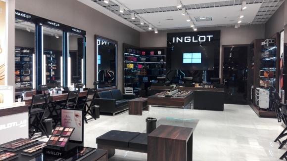 Salon INGLOT w Wola Parku – miejscem makijażowych inspiracji